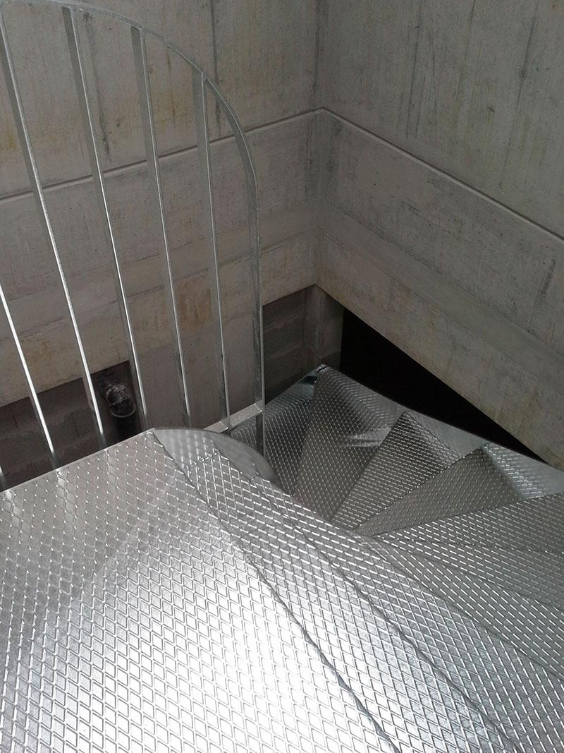 04-escaliers-01